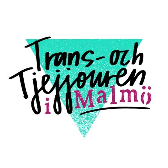 """Grön triangel i bakgrunden, texten """"Trans- och Tjejjouren"""" skrivet i svart och """"i Malmö"""" skrivet i rosa."""